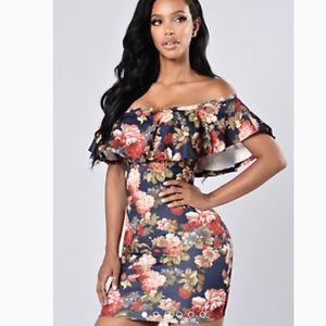 Dresses - Off the shoulder mini floral dress
